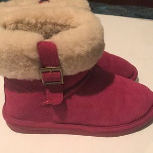 Bear paw hot pink medium length boots with cuff 7